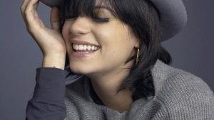 Lily Allen feliz