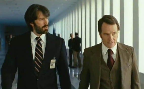 Affleck y Cranston en Argo