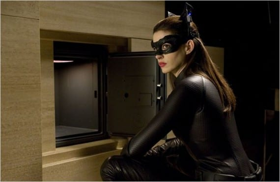 Anne Hathaway como Catwoman