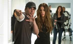 Colin Farrell y Kate Beckinsale en una escena de 'Desafío total'.