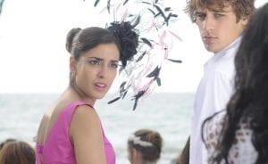 Inma Cuesta y Martín Rivas en una escena de 'Tres bodas de más'