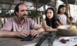 Luis Tosar y Martina García en 'Operación E'.
