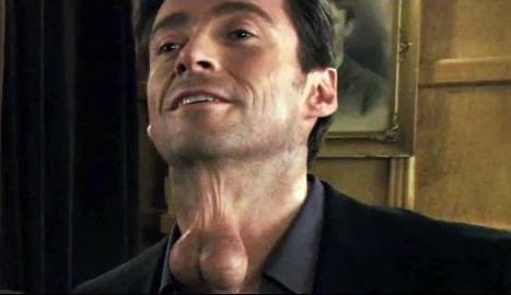 Hugh Jackman en uno de los gags de 'Movie 43' con un problema colgante...