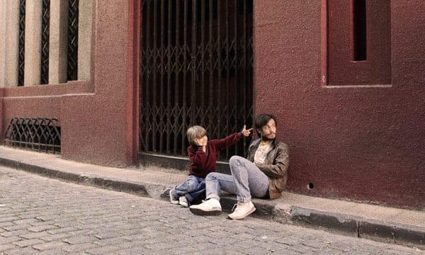 """Gael García Bernal en la película """"No"""""""