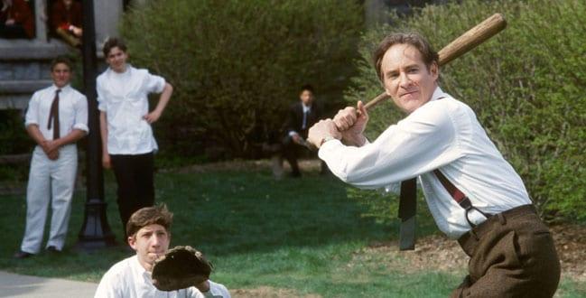 Kevin Kline en una escena de 'El club de los emperadores'.