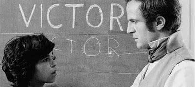 Jean-Pierre Cargol y François Truffaut en una escena de 'El niño salvaje'.