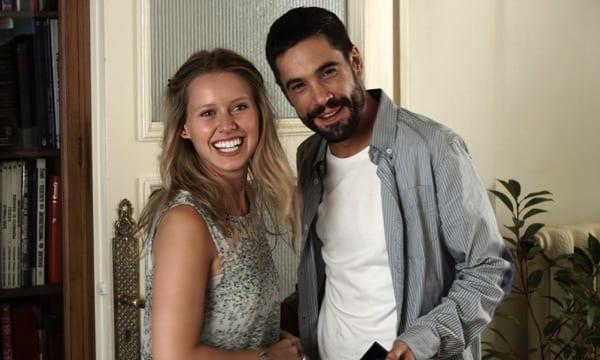 Manuela Vellés en 'Somos gente honrada' junto a Unax Ugalde