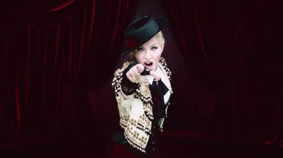 madonna-living-for-love-video-