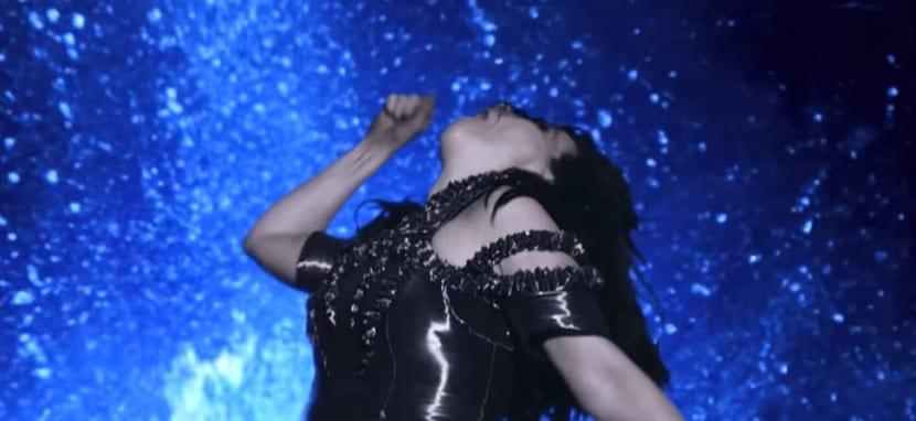 Björk Black Lake