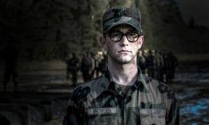 Joseph Gordon-Levitt como Snowden