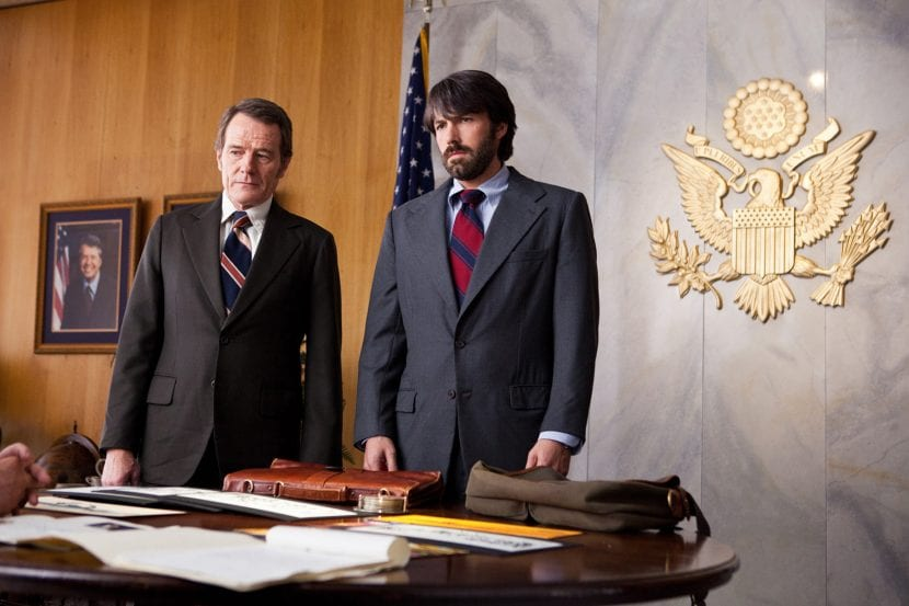"(L-r) BRYAN CRANSTON as Jack O'Donnell and BEN AFFLECK as Tony Mendez in Warner Bros. Pictures' and GK Films' dramatic thriller ""ARGO,"" a Warner Bros. Pictures release."