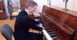 pianista sin manos
