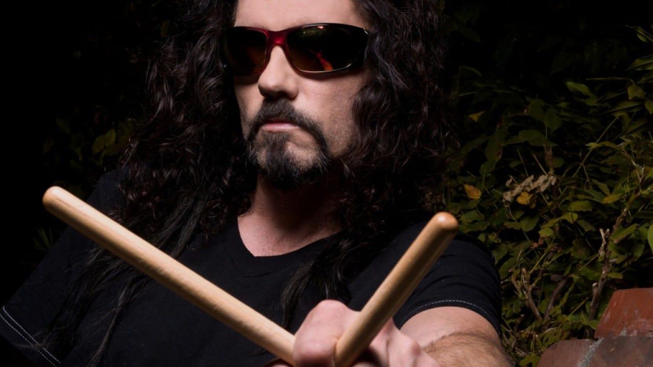 Fallece en el escenario el ex batería de Megadeth