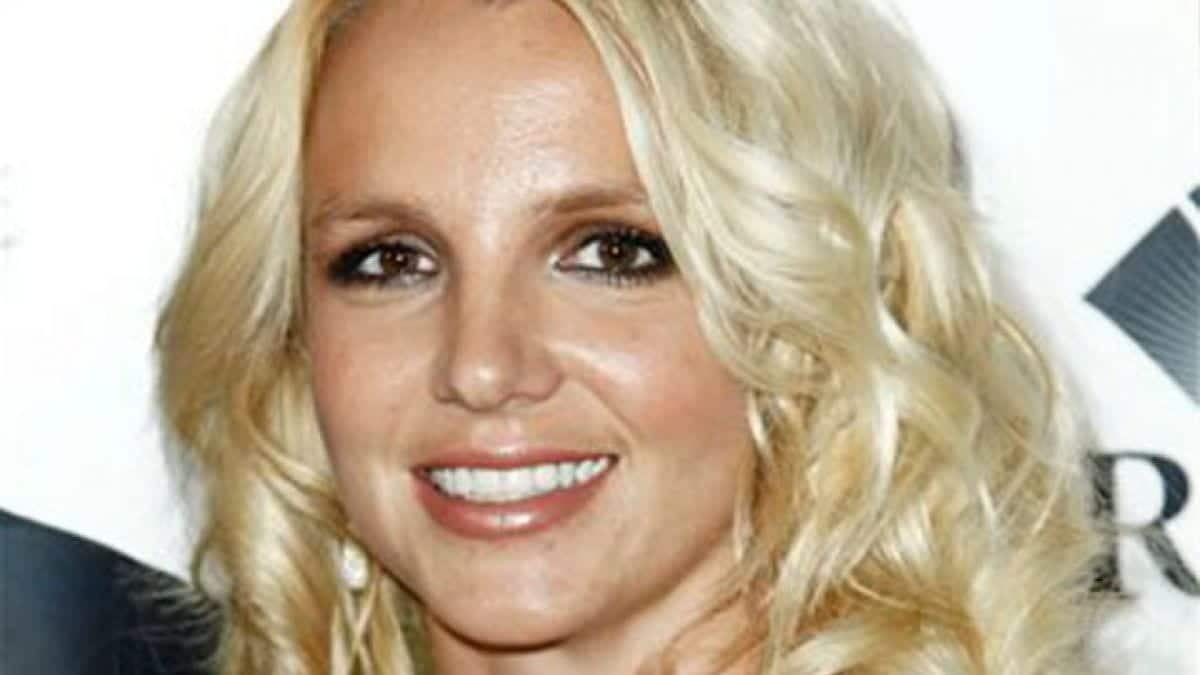 Britney vuelve a decepcionar
