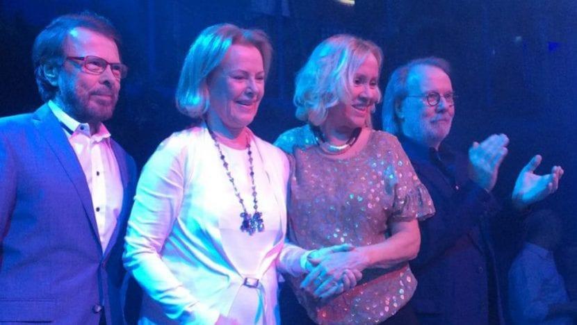 ABBA vuelve a los escenarios con un show virtual