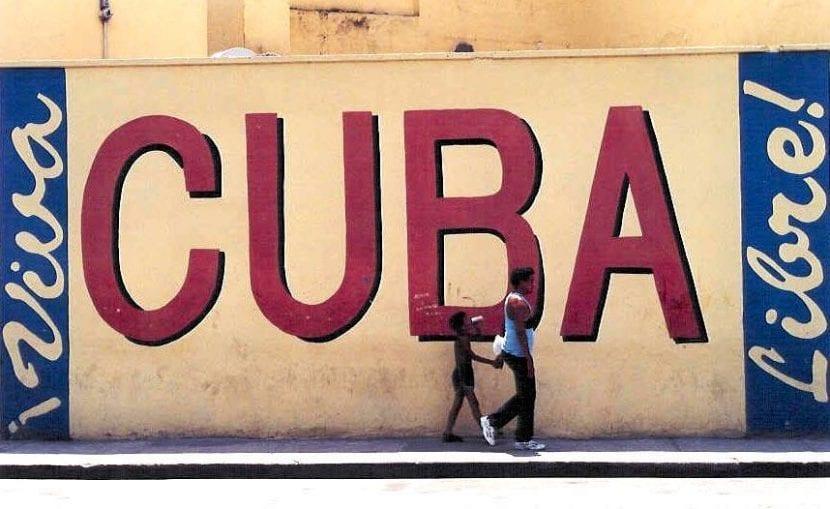 """Gloria Estefan, """"Cuba Libre"""""""