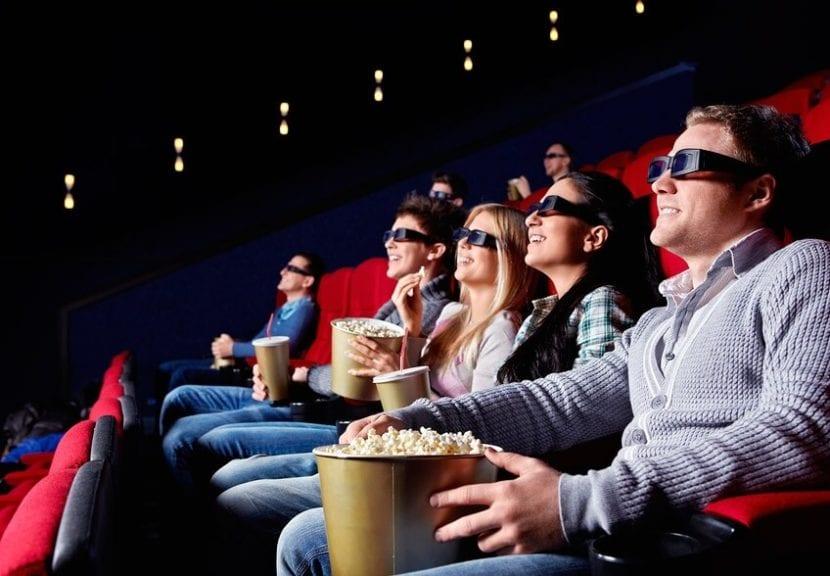 una familia en el cine