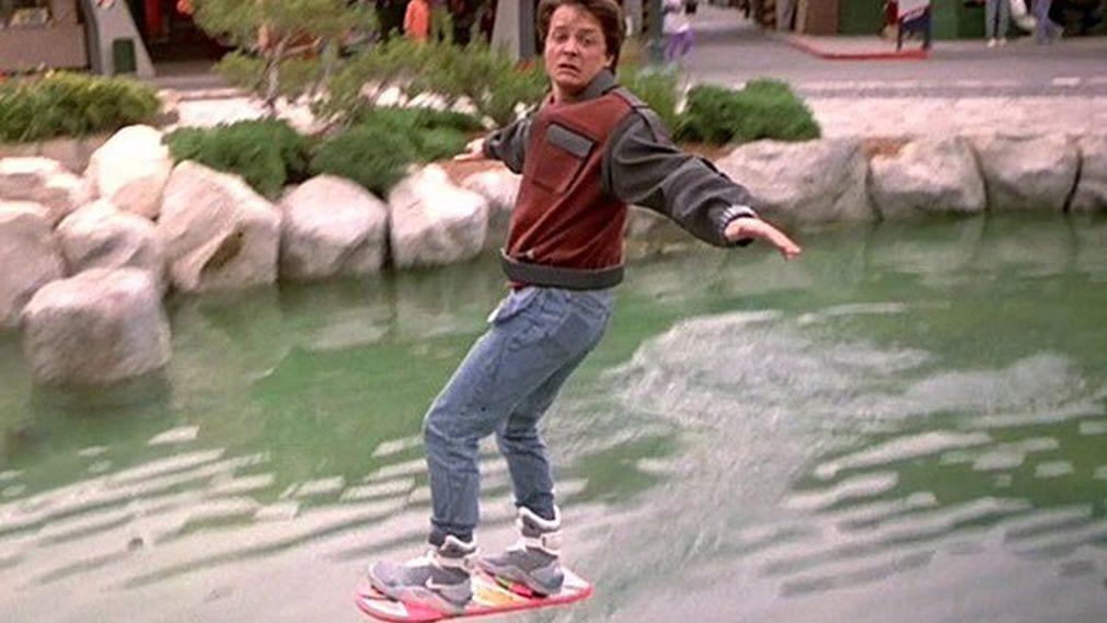 El patinete volador de la película Regreso al Futuro